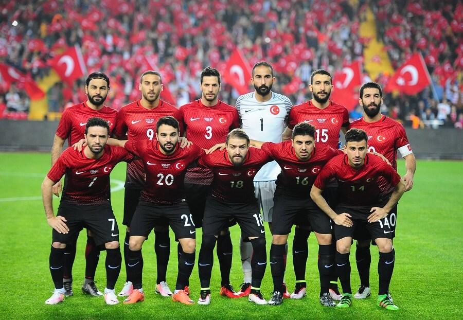 Turkiets lag inför matchen i Antalya mot Sverige mars 2016.