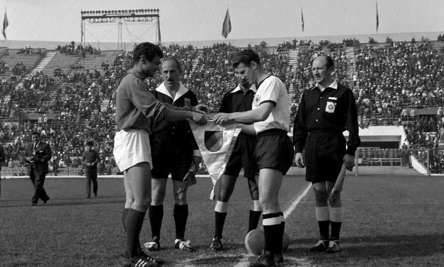 1962 Dünya Kupası çeyrek final maçı (Galic solda)