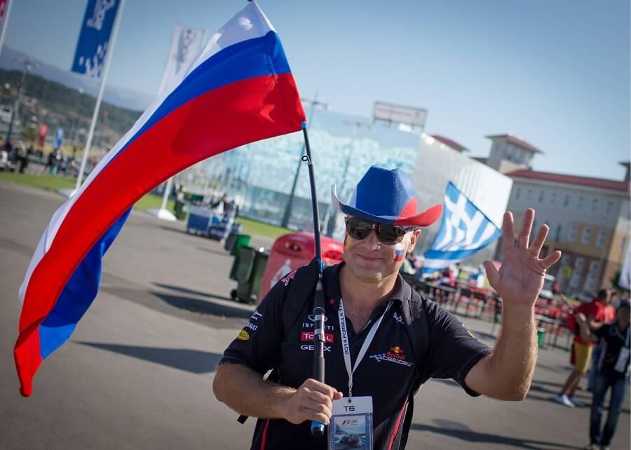 Ryssland - en kille som hejar på dem