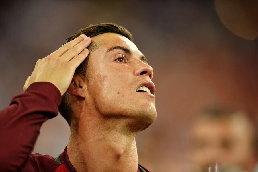 Ronaldo tar sig på håret