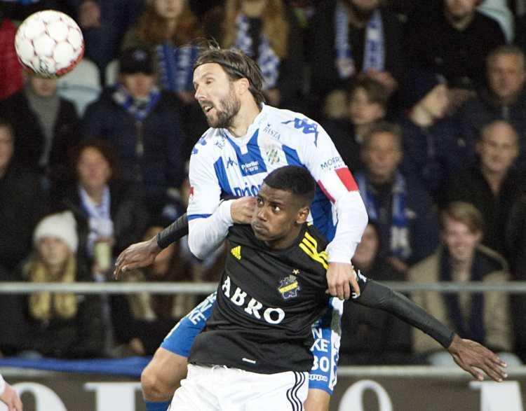 Alexander Isak i AIK i aktion.