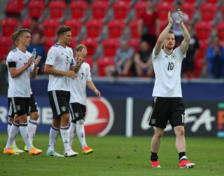 Tyskland vinner första matchen.