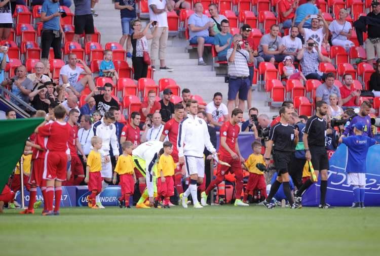 Tjeckiens trupp efter match i U21 EM i Polen.